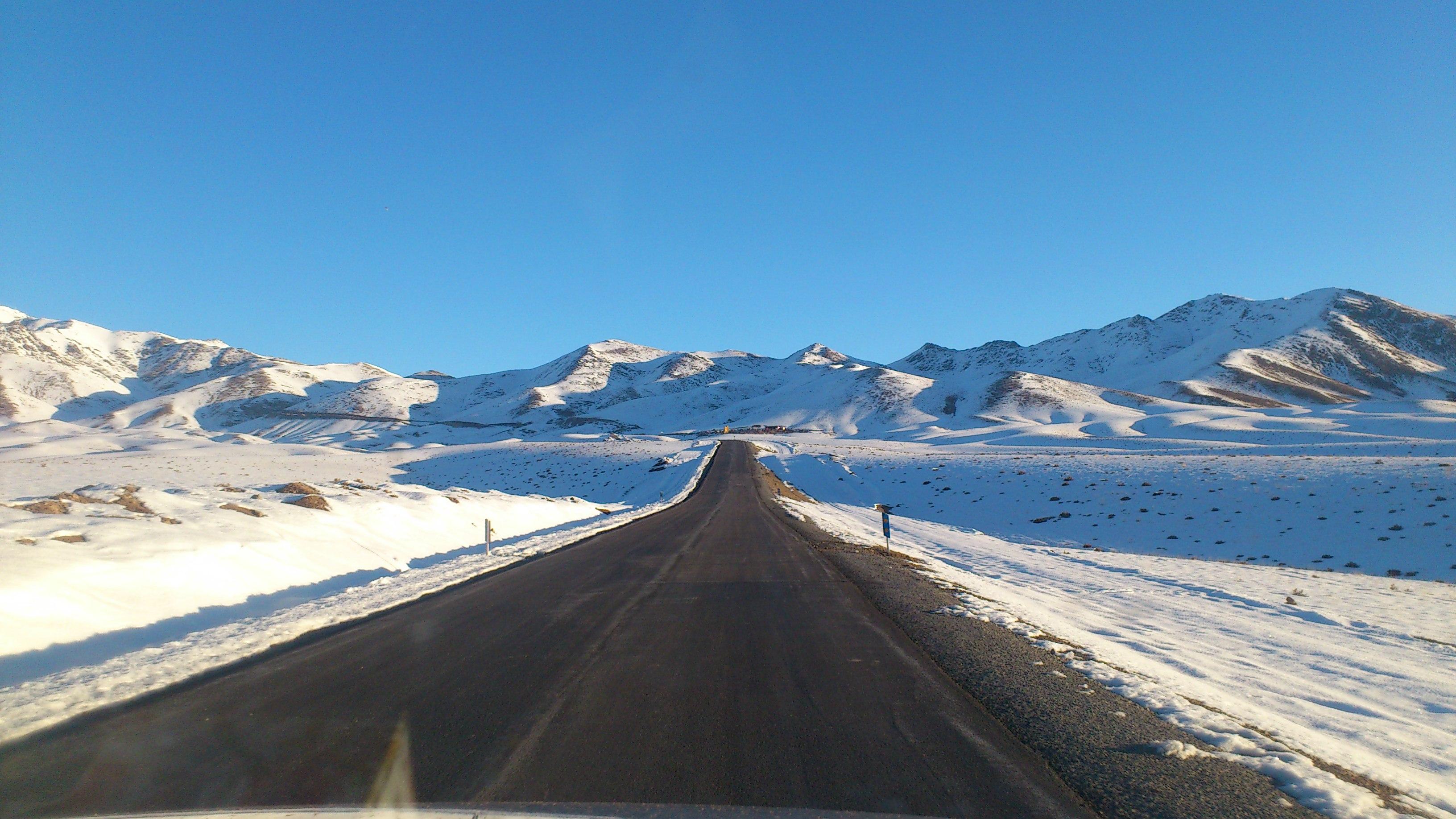 جاده دسترسی به سایت رصدخانه ملی ایران در قله گرگش